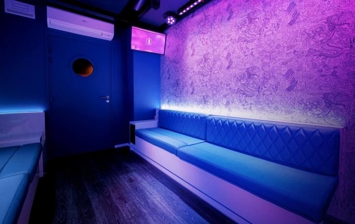 salle karaok horimono 8 personnes r servez en ligne. Black Bedroom Furniture Sets. Home Design Ideas
